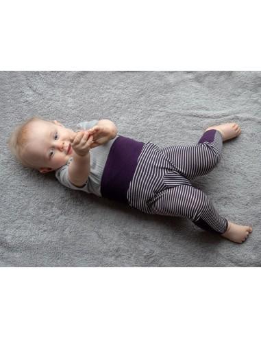 Babybroekje met vouwvoetje in paarsstreep (wol-zijde)