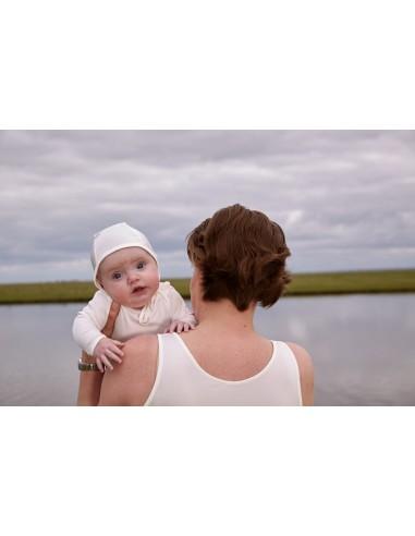 Babymutsje in Coconellezijde - made in Holland